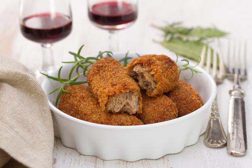 Sangría y croquetas: un tándem gastronómico imprescindible